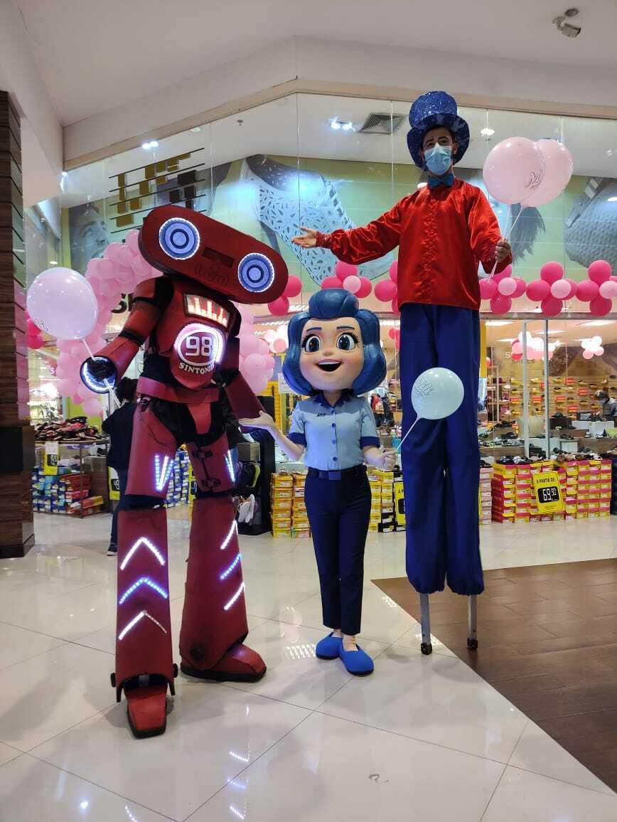 Mascote da Mili anima Dia das Crianças no Ventura Shopping