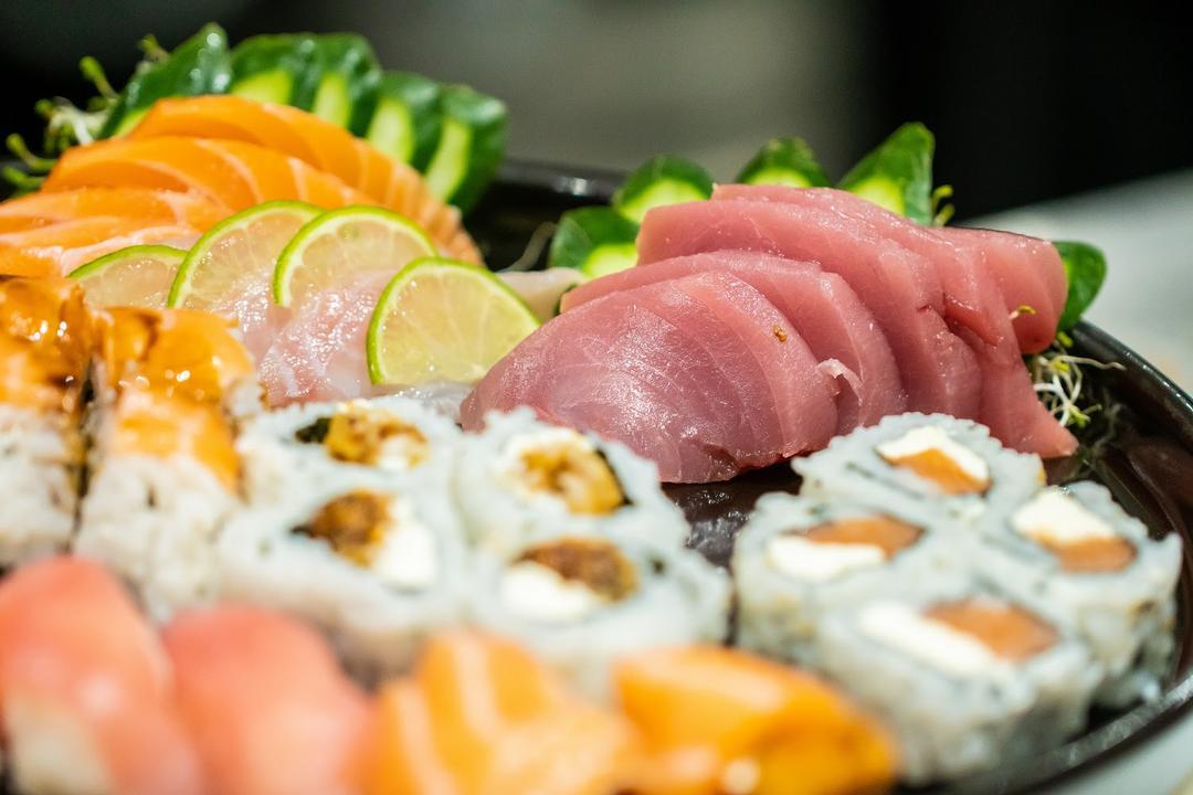 Sunrise Sushi Bar chega ao Shopping Curitiba com mais de 50 opções no cardápio