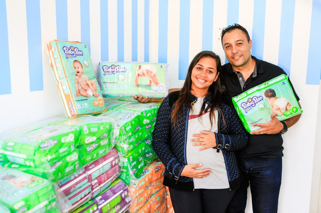 "Baby Boo entrega ""Uma vida de fraldas"" para ganhadora da Fazenda Rio Grande"