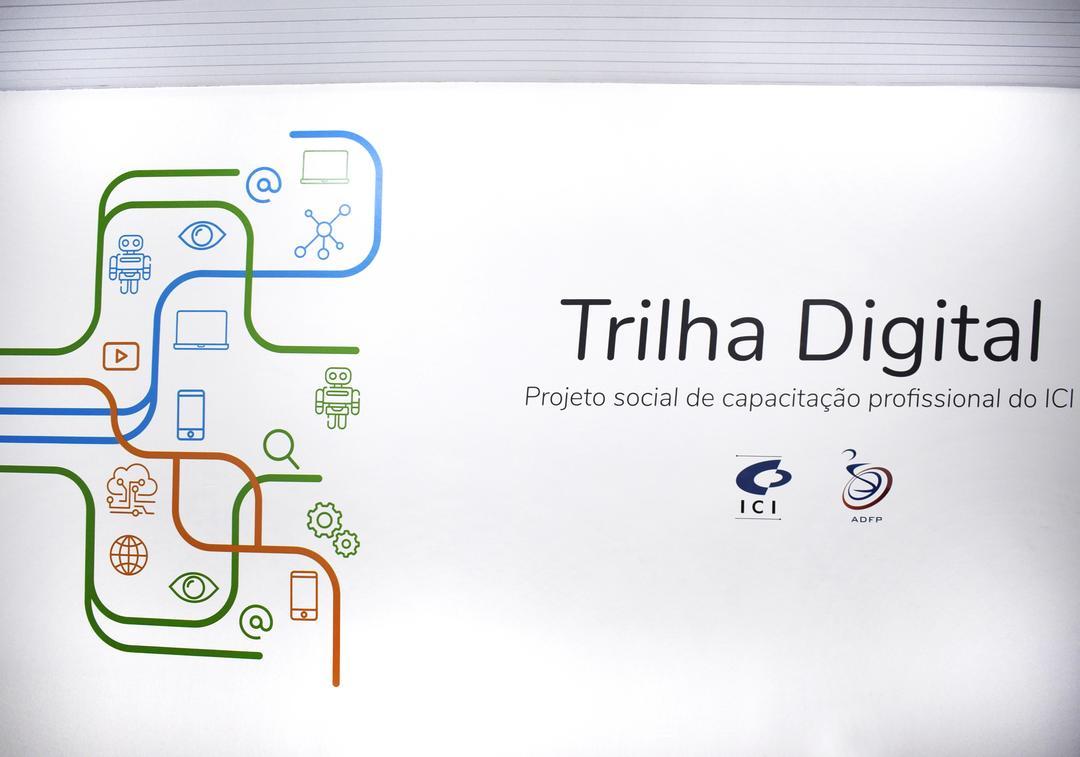 Curso capacita pessoas com deficiência para a inclusão digital, social e geração de renda em Curitiba