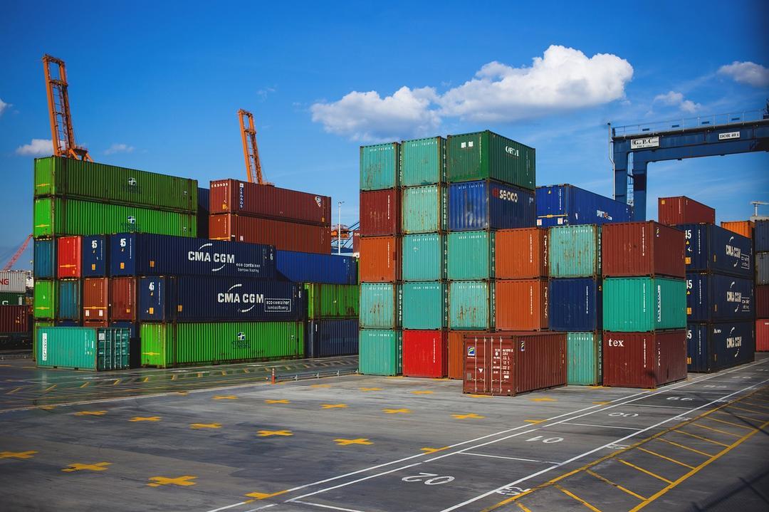 Novo cenário da economia demanda profissionais da área de comércio internacional