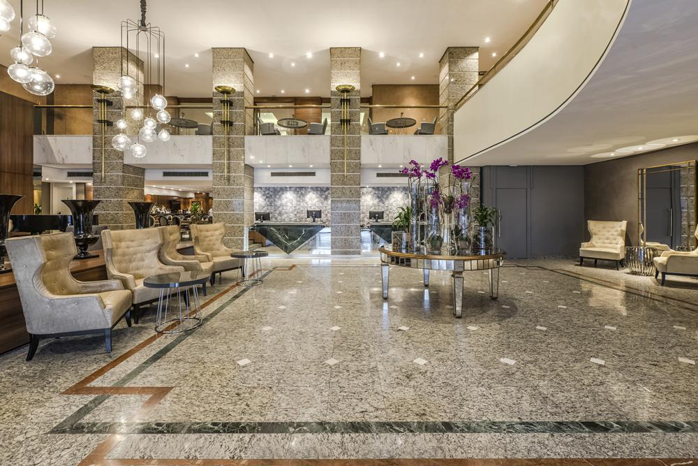 Grand Hotel Rayon: 26 anos de história e tradição na hotelaria