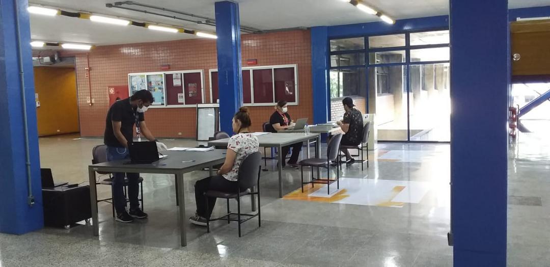 Coronavírus: PUCPR disponibiliza computadores e internet para universitários estudarem em casa