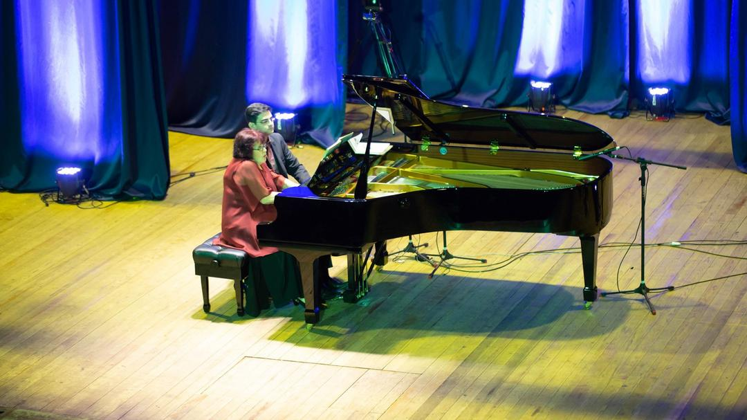 Olga Kiun e Davi Sartori interpretam George Gershwin em nova live da Unicultura