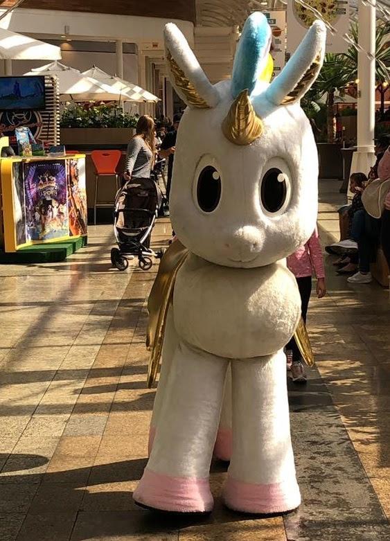 Diretamente do mundo da imaginação, Unicórnio recebe as famílias no Shopping Estação