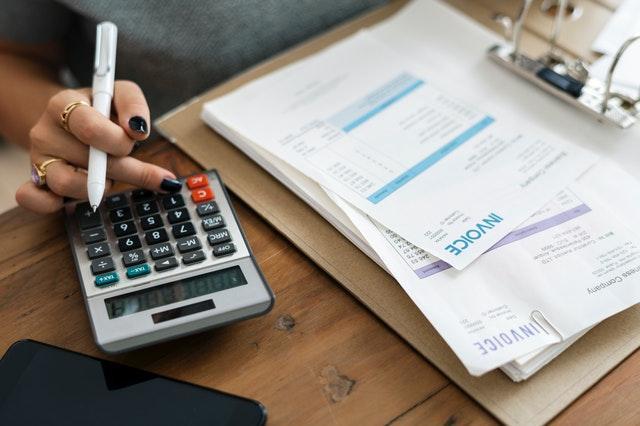 Mulher ganha protagonismo no controle das finanças familiares