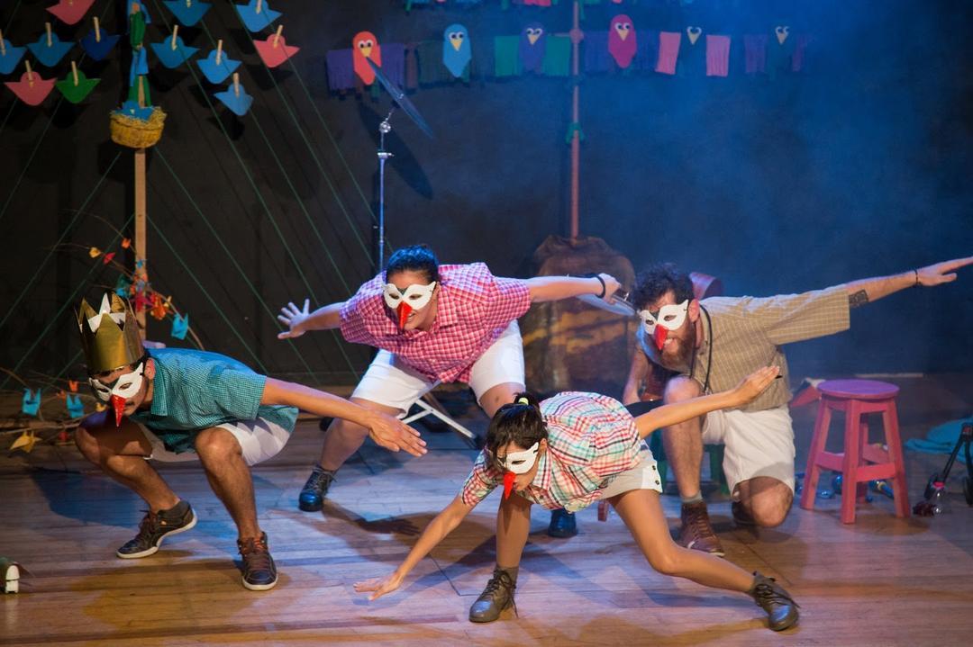 BandaLeão une elementos do teatro, literatura e música em apresentação no Shopping Estação