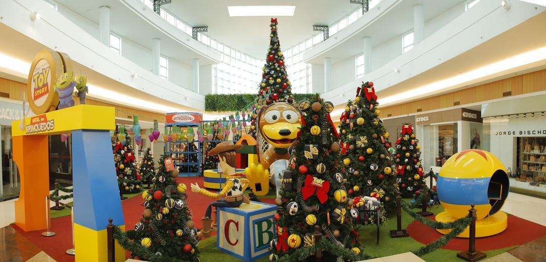 Últimos dias para visitar a decoração de Natal do Toy Story em Maringá