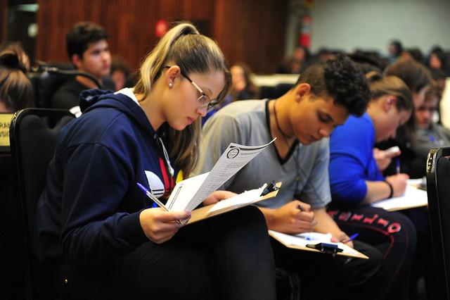 Enem 2019: alunos podem estudar com aulão on-line gratuito