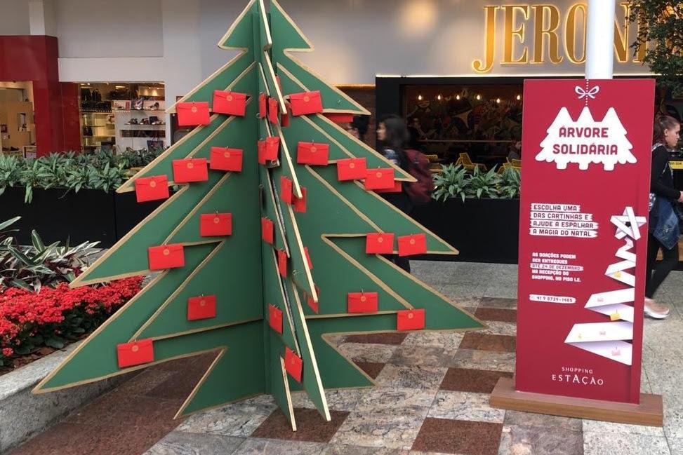 Árvore Solidária faz sucesso no Shopping Estação