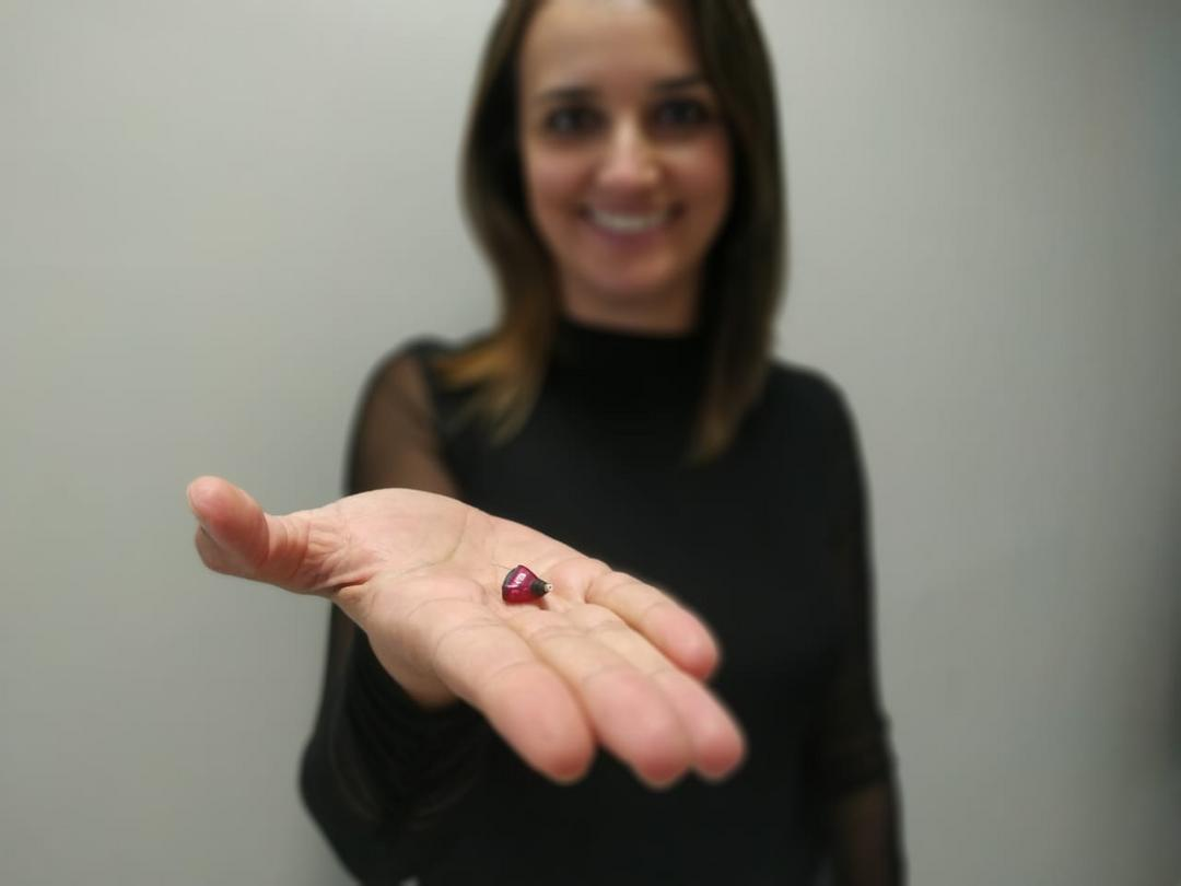 Do carbono ao bluetooth: aparelhos auditivos evoluem e oferecem tecnologia de ponta ao usuário
