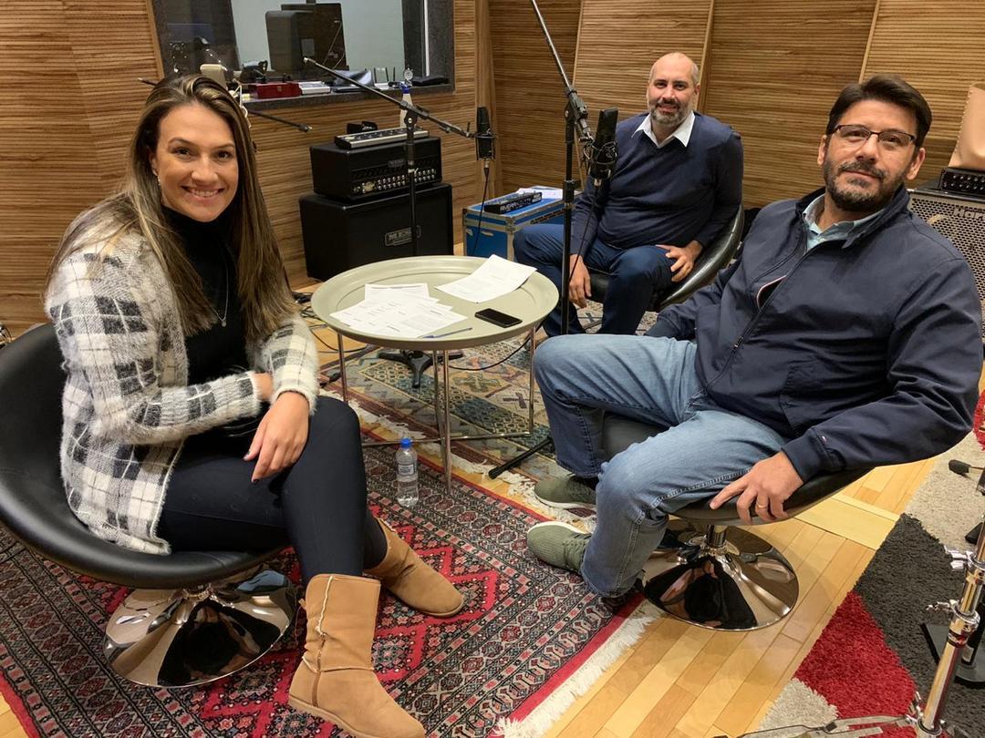 Professores ganham podcast sobre educação pública