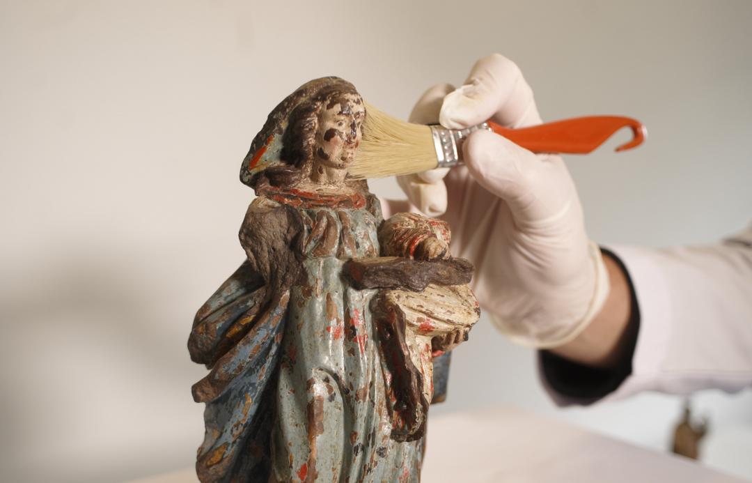 Projeto curitibano fomenta a conservação de esculturas sacras e oferece curso gratuito