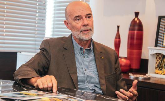 Luiz Küster participa de reunião pública sobre concessão do aeroporto de Londrina