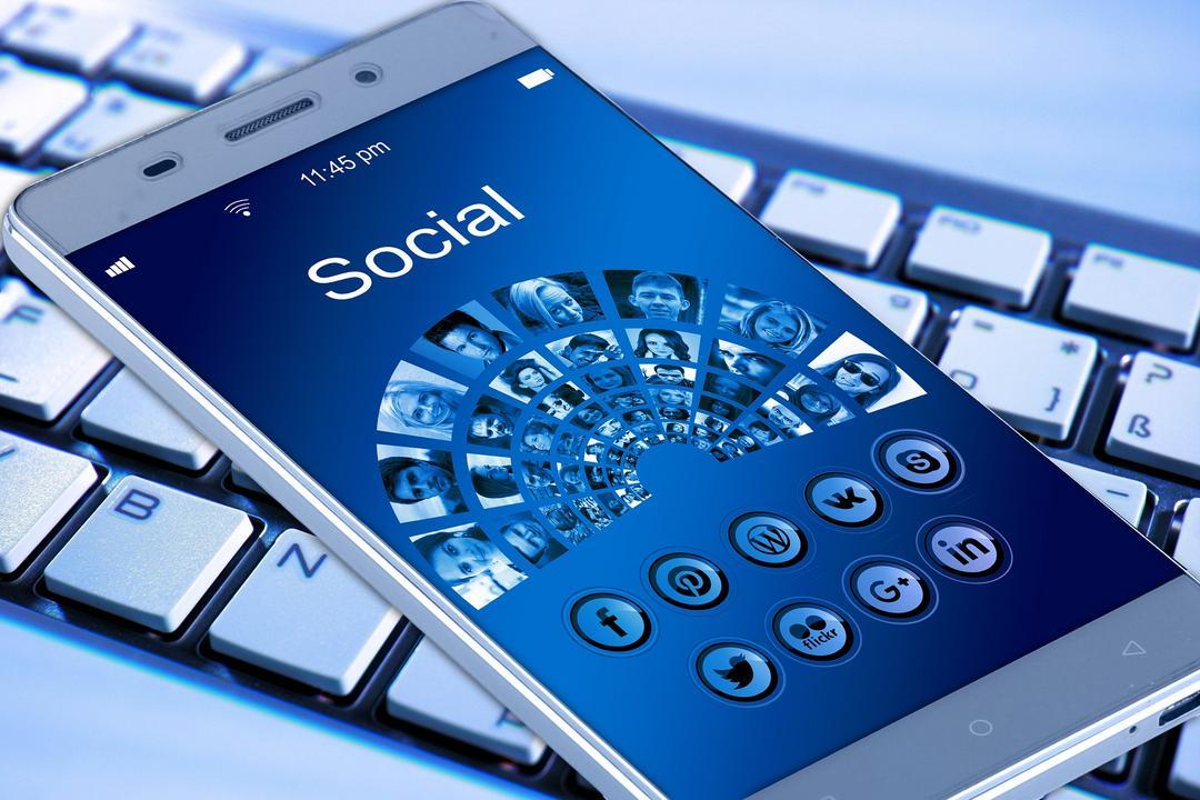Restrições na publicidade médica nas redes sociais visa proteger consumidores e profissionais