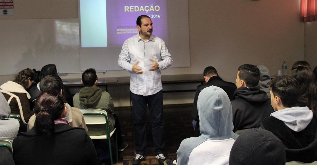 Curitiba recebe aulão pré-Enem gratuito com mais de 20 professores