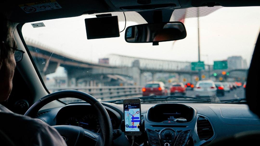 Condutor: cinco atitudes para deixar o trânsito mais seguro