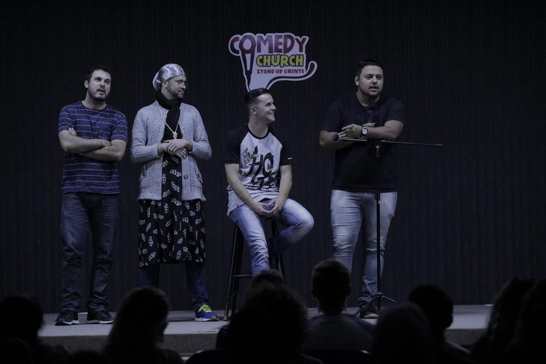 Comedy Church traz muito humor ao palco do Teatro EBANX Regina Vogue