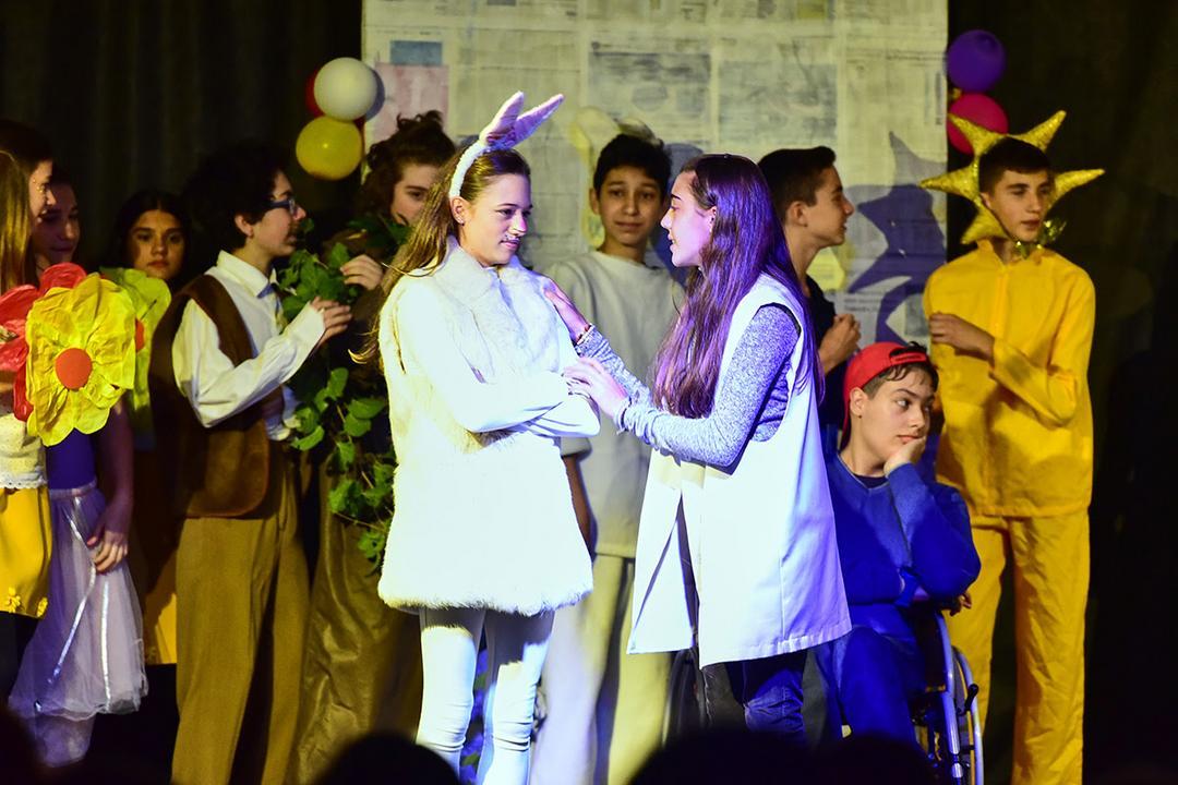 Teatro é aliado no desenvolvimento de crianças e adolescentes