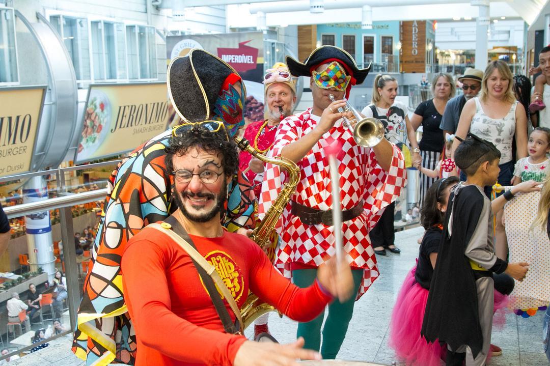 Garibaldinhos e Sacis e Tupi Pererê embalam Carnaval infantil gratuito em Curitiba