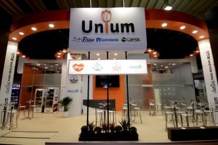 Unium apresenta produtos em feira que reúne supermercadistas do mundo todo