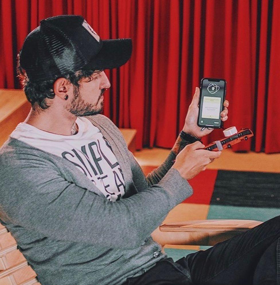 Curitibano ganha prêmio internacional com app para deficientes visuais