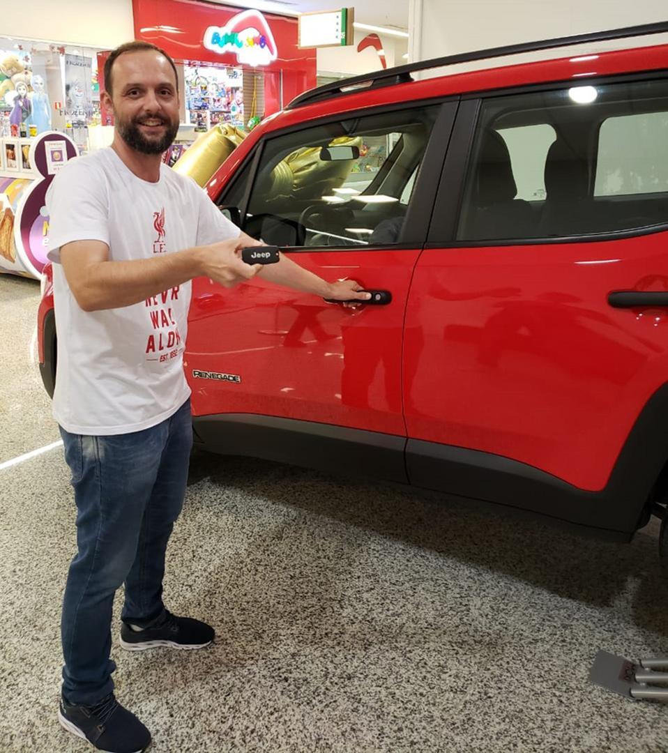 Ganhador da promoção de Natal do Ventura Shopping começa 2020 com carro zero-quilômetro