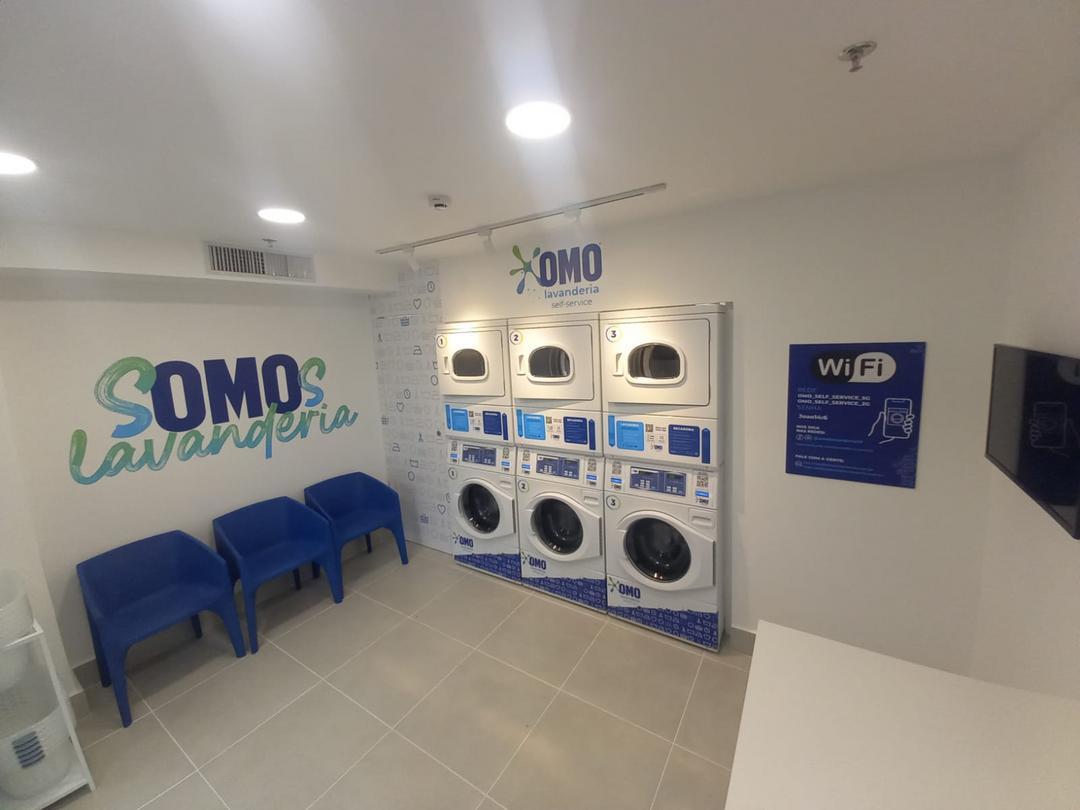 OMO inaugura primeira lavanderia dentro de um shopping em Curitiba