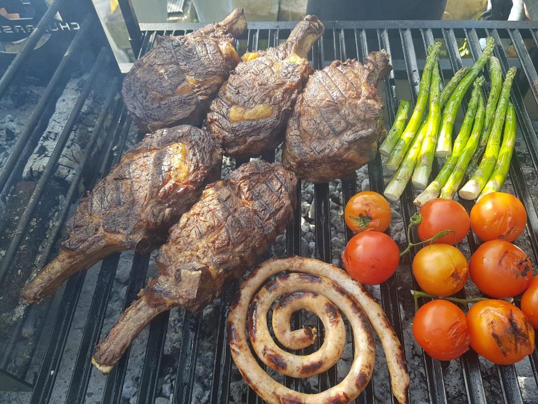 Clube de carnes realiza oficina de cortes e preparo de steaks