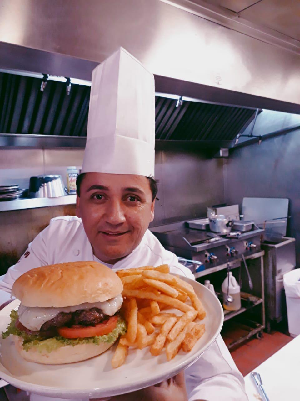Chef Eudemar Cavalcanti ministra aula em Boston sobre gastronomia e cultura brasileira