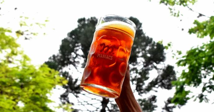 Oktoberfest no feriado: Bar da Maniacs realiza dia com cerveja especial e comida típica