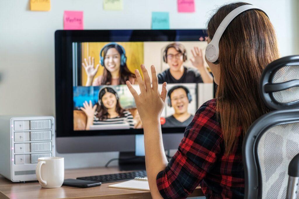 Confraternização de final de ano on-line ganha impulso nas empresas