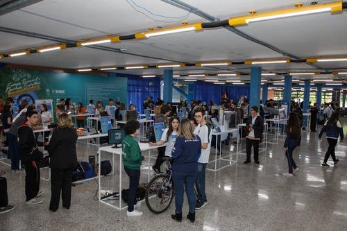 PUCPR promove 4ª edição da Feira de Ciências Júnior