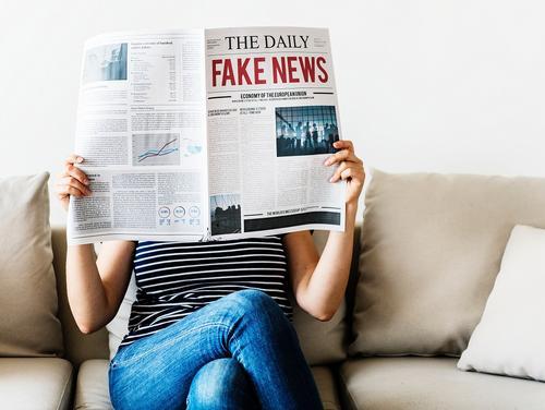 Pessoas mais velhas compartilham mais notícias falsas