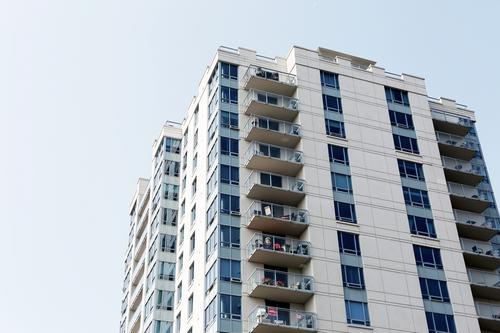 Oferta de imóveis residenciais para locação em Curitiba apresenta queda de 25,7% em relação a março de 2018