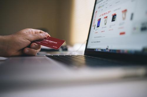 Especialista dá dicas para consumidor evitar fraudes financeiras na rede