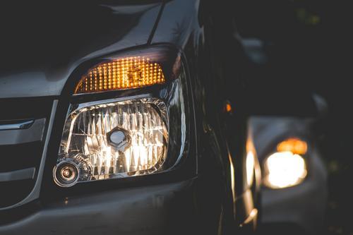 Obrigatoriedade da condução com os faróis acesos está em discussão na Câmara Federal