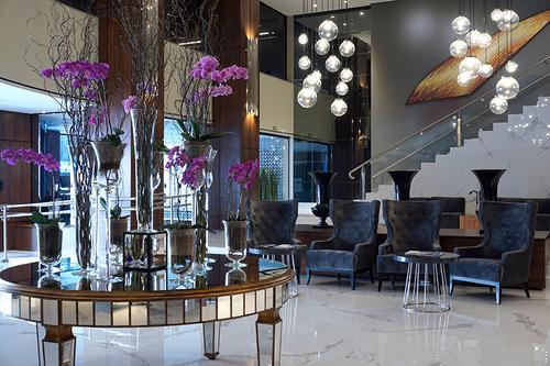 Grand Hotel Rayon apoia a campanha Outubro Rosa