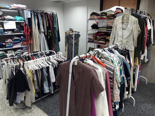 Instituto TMO arrecada roupas doadas para realização de brechó online