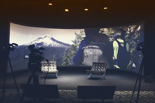 Grand Hotel Rayon oferece tecnologia única para eventos híbridos em Curitiba