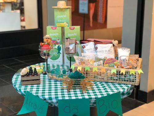 Arraiá consciente: lojas de Maringá preparam produtos juninos para serem degustados em casa