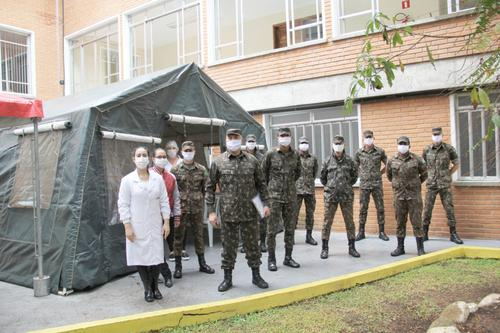 Militares realizam ação na Fundação Pró-Renal no combate a COVID-19