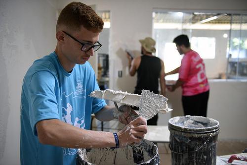 Dia do Voluntariado: saiba o que é preciso fazer para ajudar o próximo