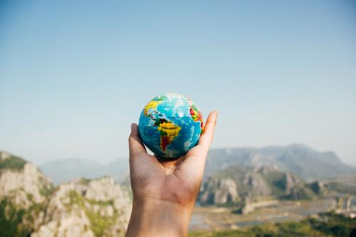 Inglês do mundo: férias podem ajudar a praticar idiomas