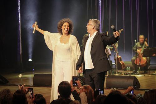 Simone e Ivan Lins apresentam repertório de clássicos em Curitiba