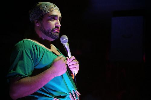 """Hallorino Jr realiza estreia do show da Lurde """"Eu Não Aguento Mais"""" em Curitiba"""