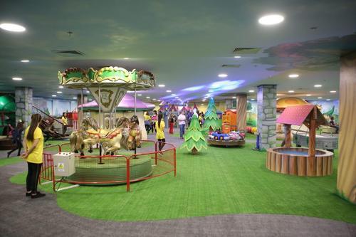 Parque infantil no Catuaí Shopping Londrina abre espaço para sessões de terapia
