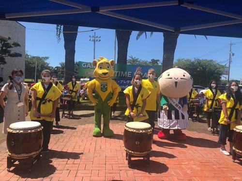 Escola brasileira no Japão recebe o mascote Ginga e reforça a torcida pelo Brasil nessas Olimpíadas