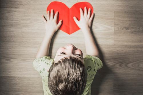 Como ajudar crianças a expressarem os sentimentos