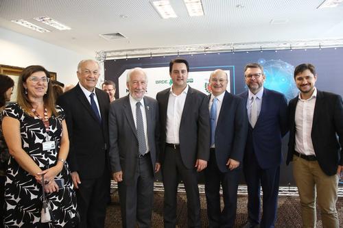 PUCPR assina parceria com BRDE e Governo do Paraná